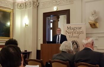 Mezey Barna előadást tartott a Magyar Néprajzi Társaság tudományos konferenciáján