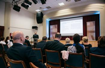 Megyeri-Pálffi Zoltán előadást tartott a hajdúszoboszlói bíróságtörténeti konferencián